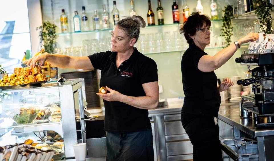 <span></span>Charly Bistro- Equipe,bern airport restaurant