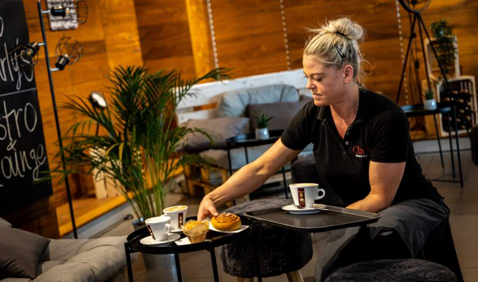 Charly Bistro- Service,Flughafen Bern restaurant