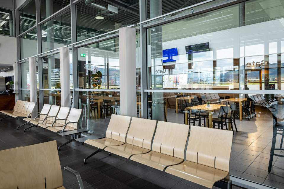<span></span>Charly Bistro- Aéroport,bern airport restaurant